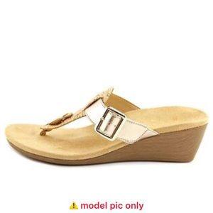 Vionic Ginger Wedge Sandal